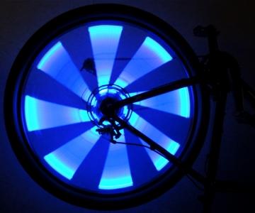 Синие светящиеся полоски на велосипедные спицы