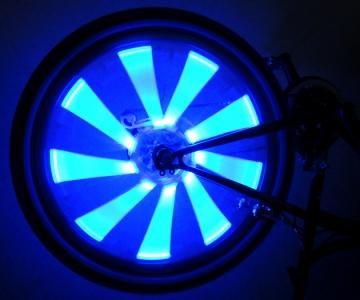 Светящиеся синие полоски на велосипедные колеса